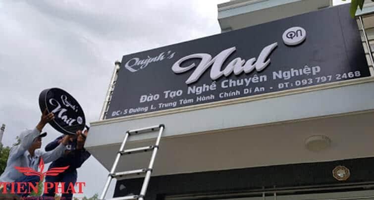 biển quảng cáo cửa hàng làm tóc nail hcm