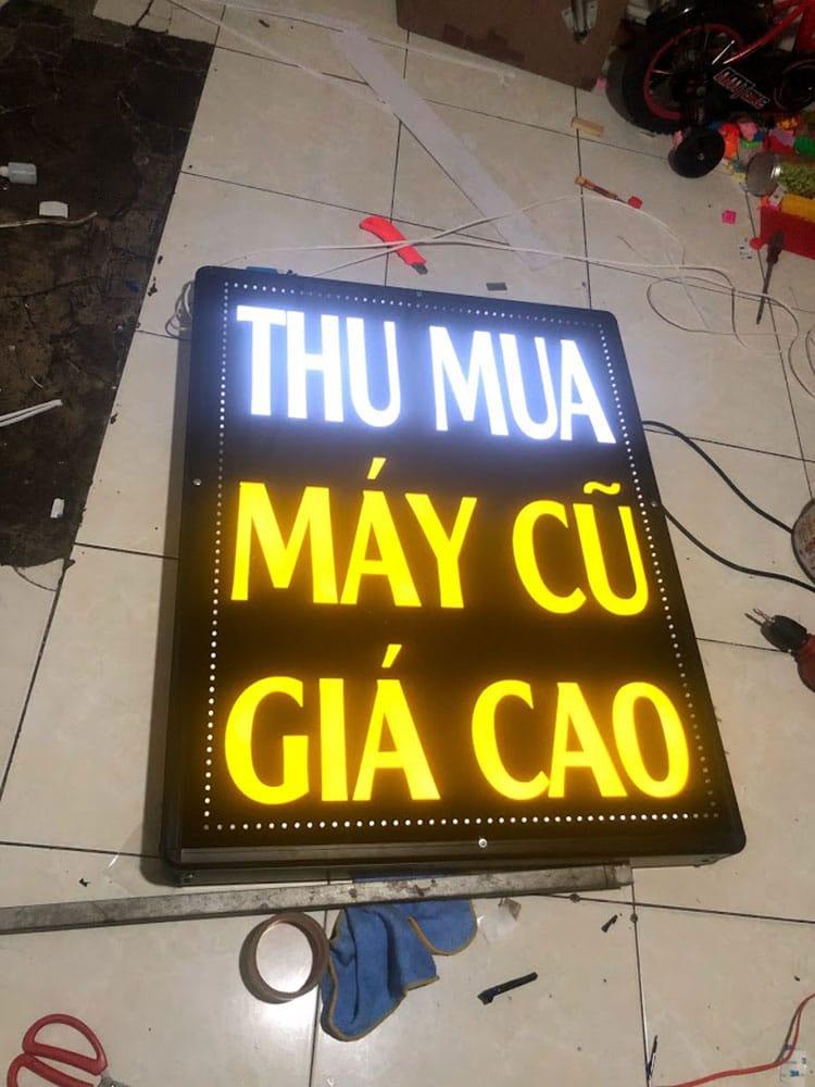 bảng hiệu hộp đèn mica